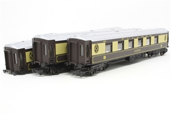 R1177coaches-PO04 Pack of 3 Pullman parlour coaches - Split from R1177 Set - Open box, one coach missing bogie, some couplings missing, replacement box