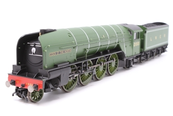 """R1183Loco-PO11 Class P2 2-8-2 2001 """"Cock O' The North"""" in LNER green - Split from Set - Pre-owned - Nosiy runner, damage to cab doors, replacement box"""