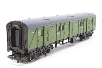 R174-Coach-PO17 Bogie Luggage Van 2355 in SR Green - Pre-owned - incorrect box