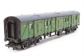 R174-Coach-PO18 Bogie Luggage Van 2355 in SR Green - Pre-owned - Like new
