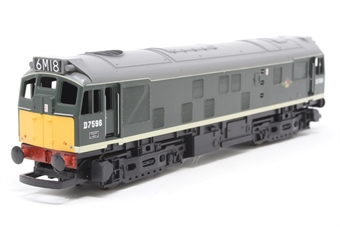 R2121-PO04 Class 25 D7596 in BR green - Pre-owned - Missing Glazing and coupling hooks