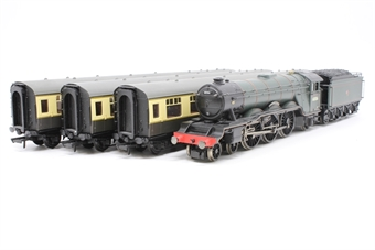 R2195M-PO05 'The Master Cutler' Trainpack - Pre-owned - DCC fitted, slightly poor runner, original coaches replaced with Hornby Railroad ones