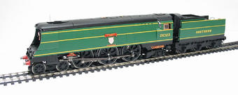 """R2219 Streamlined West Country Class 4-6-2 21C123 """"Blackmoor Vale"""" in Southern Railway Malachite Green"""