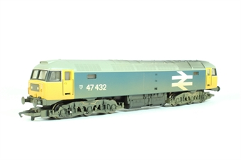 R2254A Class 47 47432 in BR blue with large logo (weathered)