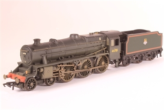 """R2258-SD01 Class 5 """"Black 5"""" 4-6-0 44781 & tender in BR black with late logo (weathered) - Pre-owned - incorrect tender - missing coupling hook - discoloured packaging"""