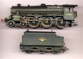"""R2258 Class 5MT """"Black 5"""" 4-6-0 44781 in BR black with late crest - weathered"""