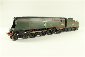 R2260 Steamlined West Country class 4-6-2 34070 'Manston' in BR green