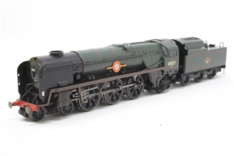 "R2268-PO05 Merchant Navy 4-6-2 35027 ""Port Line"" in BR green - Pre-owned - loco runs well, but pony wheels do not turn freely due to chassis expansion"