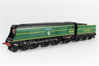 R2283 Battle Of Britain Class 4-6-2 'Fighter Pilot' 21C155 in SR Malachite Green