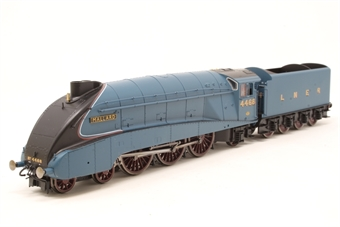 """R2339-PO15 Class A4 4-6-2 4468 """"Mallard"""" in LNER Blue - Pre-owned - DCC fitted - missing one cab door"""