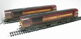 R2411 Class 58 Double Pack 58024 & 58037 'Worksop Depot' diesel locos in EWS livery (weathered). 1 powered, 1 a dummy