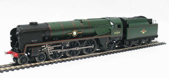 "R2528 Merchant Navy Class 4-6-2 35019 ""French Line"" in BR Green with late crest"
