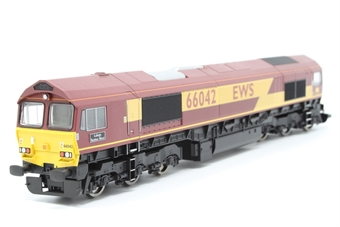 R2651-PO03 Class 66 66042 'Lafarge Buddon Wood' in EWS livery - Pre-owned - missing coupling at one end - imperfect box