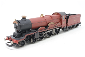 R2662-PO Castle Class 4-6-0 'Hogwarts Castle' 5972 in Red - from 'Harry Potter & the Order of the Phoenix' - Pre-owned - detailed with Hedwig and Scabbers on tender - missing front coupling hook