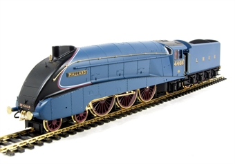 """R2684 Class A4 4-6-2 4468 """"Mallard"""" 70th Anniversary in LNER Blue. Ltd edition of 5000 (gold plated parts)"""