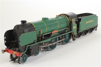 """R2745-HX Schools Class 4-4-0 902 """"Wellington"""" in SR Bulleid Green - Pre-owned - DCC fitted - imperfect box"""