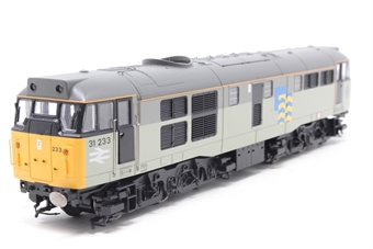 R2803XS-PO05 Class 31 31233 in Railfreight Subsector Petroleum with DCC sound - Pre-owned - Sound cuts out when running, missing two buffers, missing couplings