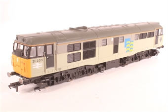 R2803XS-SD01 Class 31 31233 in Railfreight Subsector Petroleum with DCC sound - Pre-owned - crackling speaker - marks on roof - missing coupling on one end
