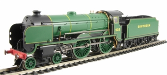 "R2827 Class V Schools 4-4-0 925 ""Cheltenham"" in SR Green - as preserved at NRM"