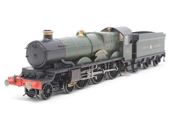 """R2848-PO05 Castle Class 4-6-0 """"Tintagel Castle"""" in GWR Green - Pre-owned - marks on boiler, part of footplate loose"""