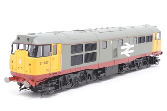 R2900XS-PO05 Class 31/1 31247 in Railfreight red stripe livery - DCC sound fitted - Pre-owned - missing couplings