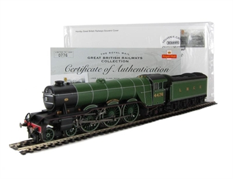 """R3073 Class A1 4-6-2 """"Royal Lancer"""" 4476 in LNER Green - The Royal Mail Great British Railways Collection. Limited edition"""