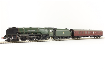 """R3221 Class 8P Duchess 4-6-2 46233 """"Duchess Of Sutherland"""" in BR green with early crest & Mk1 support coach in BR Maroon"""