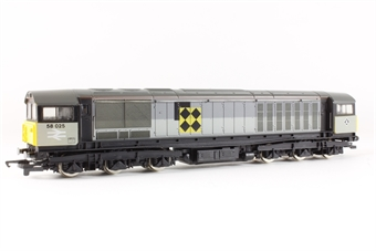 R332B Class 58 58044 in Railfreight Triple Grey