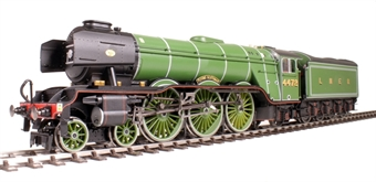 "R3336 Class A3 4-6-2 4472 ""Flying Scotsman"" in LNER Green - NRM Special Edition"