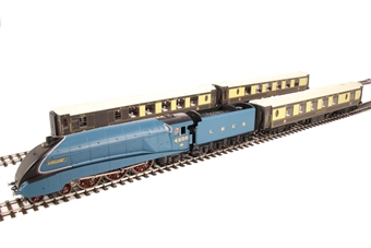 R3402 Queen of Scots Train Pack with Class A4 4-6-2 in LNER garter blue and three pullman coaches - Limited Edition of 1000