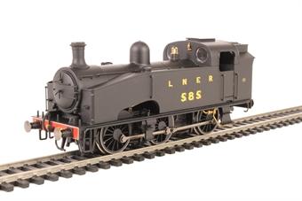 R3405 Class J50 0-6-0T 585 in LNER black