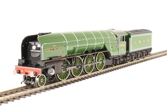 R3440 Class P2 2-8-2 2001 'Cock O' The North' in LNER apple green - gloss finish