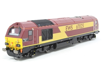 """R3481-PO02 Class 67 67025 """"Western Star"""" in EWS livery - Pre-owned - detailed buffer beam"""