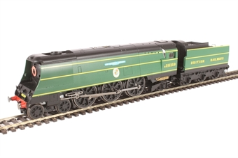 "R3525 Battle of Britain Class (Air Smoothed) 4-6-2 S21C159 ""Sir Archibald Sinclair"" in British Railways malachite green"