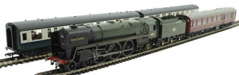"""R3607 15 Guinea Special anniversary train pack with Class 7P 4-6-2 70013 """"Oliver Cromwell"""" and 3 Mk1 coaches"""