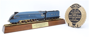 "R3612 80th Anniversary of World Steam Record pack with gold-plated Class A4 4468 ""Mallard"" and commemorative box set"