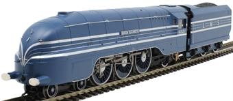 """R3623 Class 8P 'Streamlined Coronation' 4-6-2 6221 """"Queen Elizabeth"""" in LMS coronation blue"""
