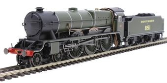 "R3634 Class LN 'Lord Nelson' 4-6-0 851 ""Sir Francis Drake"" in Southern Railway olive green"
