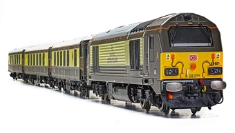 R3750 Belmond Pullman Train Pack with Class 67 67021 in Pullman livery and three pullman coaches