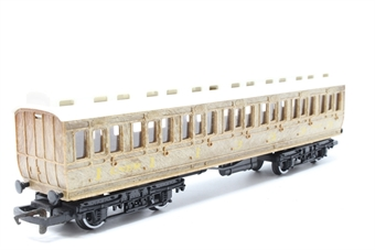 R391-PO07 L.N.E.R Clerestory Composite Coach 2247 - Pre-owned - Like new, imperfect box