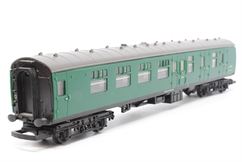 R4006-PO08 B.R Mk.1 Brake Coach (Southern Region) S34269 - Pre-owned - detailed with added passengers -missing coupling hooks- imperfect box