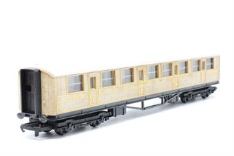 R4062-PO03 LNER teak composite (1st/3rd) coach - Pre-owned - Like new