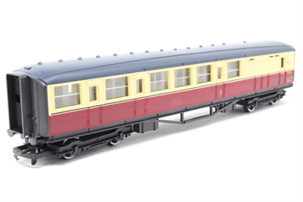 R410-PO03 B.R (Ex L.N.E.R) Brake Composite Coach E10066 - Pre-owned - one wheel loose in frame