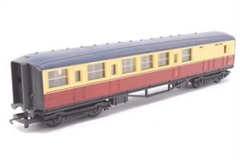 R410-PO07 B.R (Ex L.N.E.R) Brake Composite Coach E10066 - Pre-owned - Chipped paint on roof, missing coupling hook, replacement box