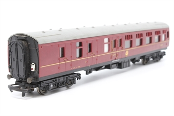 R423C-PO17 B.R Brake 2nd Class Coach 35024 - Pre-owned - minor wear to decals - marks on roof - one coupling loose-detailed with tail lamp