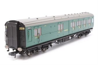 R4342A-PO04 Southern Railway green Maunsell 4 Compartment Brake 3rd in BR Southern Green (High Window) 3722 (Set number 209) - Pre-owned - Like new