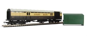 R4526 Night Mail Operating Mail Coach 849 in GWR chocolate & cream - Railroad Range