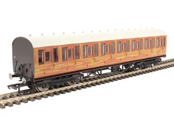 R4573A Thompson non-corridor third class 82646 in LNER teak
