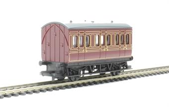 R4671 4-wheel freelance coach in LMS maroon - Railroad Range