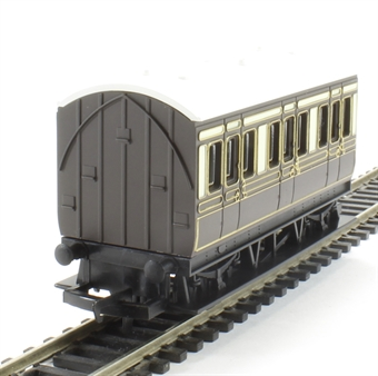 R4673 4-wheel freelance coach in GWR chocolate & cream - Railroad Range